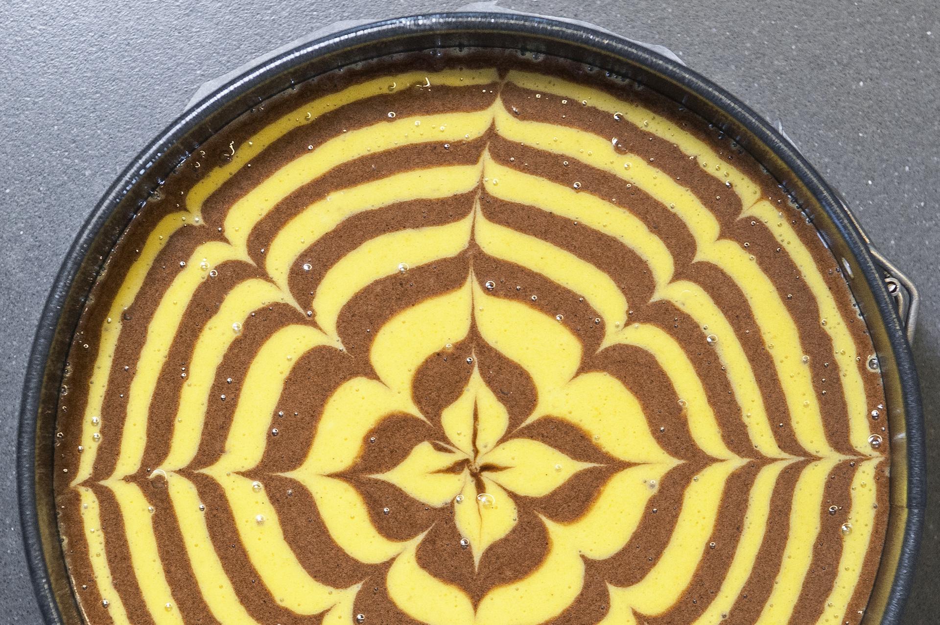 Valeria Rossi prepara la Torta Tigrata alle mandorle. Pane per i tuoi denti. Verona, maggio 2015.