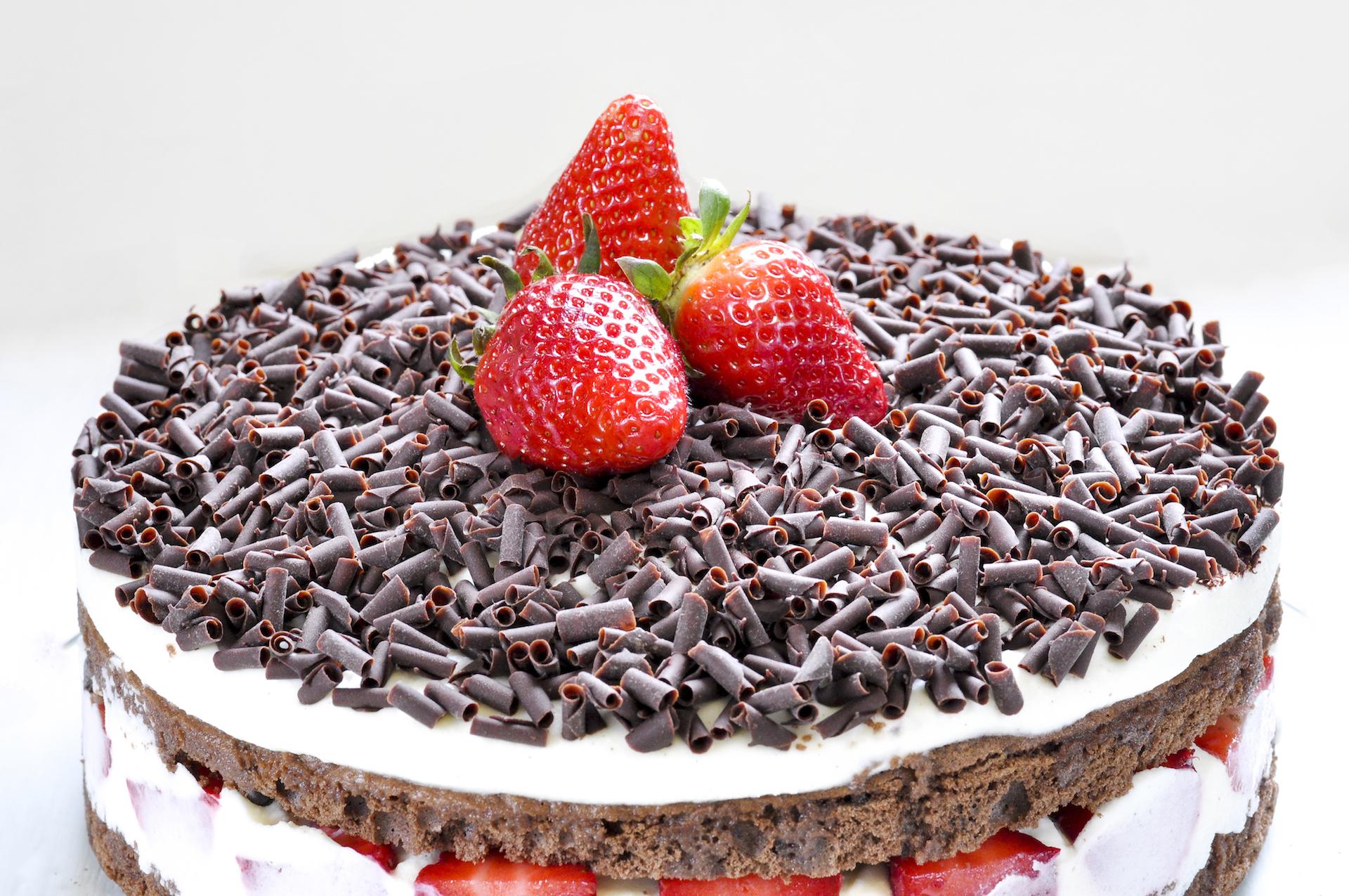 Ricetta Torta Al Cioccolato E Fragole.Il Battipanni Di Diamante La Torta Di Fragole E Cioccolato Con Videoricetta Pane Per I Tuoi Denti